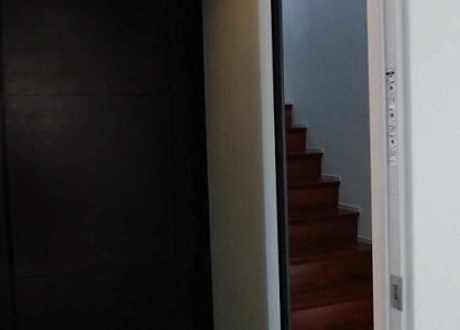 階段へアルミ建具