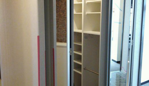 玄関収納 鏡(ミラー)折戸