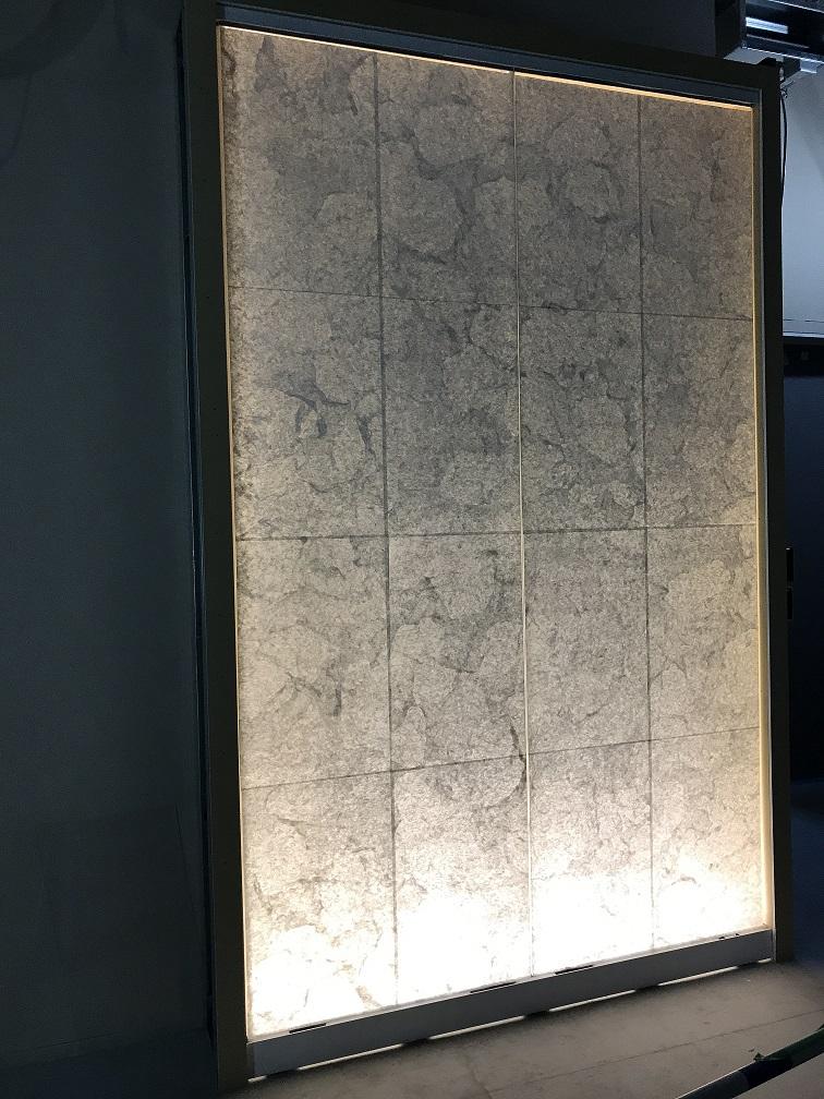 光壁に和紙貼施工をしました!